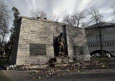 Bronzieren Sie Soldat-Denkmal in Tal Stockfotos