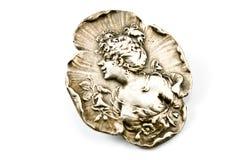Brooch d'argento antico con il profilo della donna fotografia stock