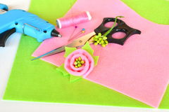 Brooch flower felt, scissors, glue gun, thread, needle, pins - set of creativity Stock Photos