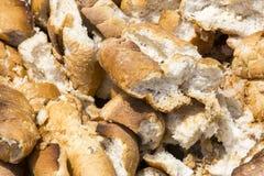 Brood dat in het afval wordt geworpen royalty-vrije stock foto