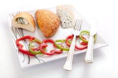 Brood dat met schimmelkaas wordt gevuld Royalty-vrije Stock Afbeeldingen