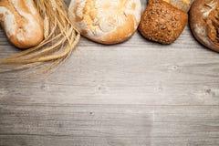 Brood en broodjes (exemplaarruimte) stock fotografie