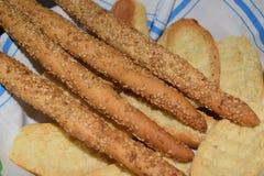 Brood en grissini Stock Afbeeldingen