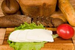 Brood en kaas voor een ontbijt. Royalty-vrije Stock Afbeelding