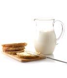 Brood en melk Royalty-vrije Stock Afbeeldingen