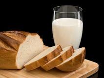 Brood en melk Stock Foto