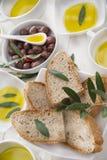 Brood en olijfolie Royalty-vrije Stock Foto