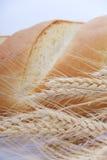 Brood en tarwe stock foto's