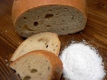Brood en zout Stock Afbeelding