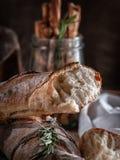 Brood, Frans boeket met rozemarijn stock foto's