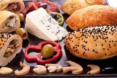 Brood Gevulde Paddestoel, Schimmelkaas en Pastram Stock Afbeelding