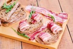 Brood met gastronomisch vlees royalty-vrije stock foto