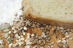 Brood met gewassen en zaden Royalty-vrije Stock Afbeelding