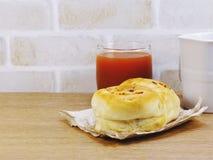Brood met het varkensvleesmayonaise en vruchtensap van de baconham Royalty-vrije Stock Foto's