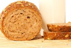 Brood met melk Royalty-vrije Stock Afbeelding