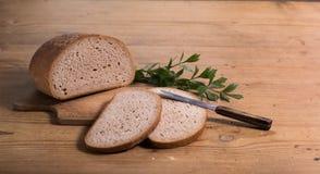 Brood met mes Royalty-vrije Stock Afbeeldingen
