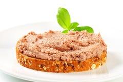 Brood met uitgespreid vlees Royalty-vrije Stock Foto's