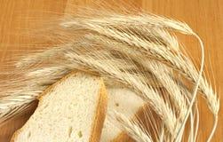 Brood op de lijst Royalty-vrije Stock Foto's