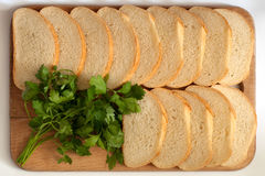 Brood op een raad Stock Afbeelding