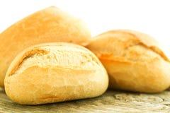 Brood op houten lijst dichte omhooggaand Royalty-vrije Stock Foto