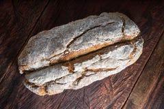 Brood van artisanaal brood royalty-vrije stock fotografie