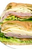 brood van de de sandwichcroissant van de ham het Zwitserse kaas stock afbeelding