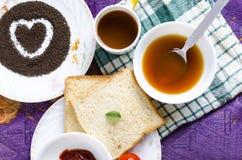 Brood van de de thee groentesoep van het liefde het gezonde ontbijt Royalty-vrije Stock Afbeeldingen