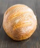 Brood van eigengemaakt brood op houten rustieke lijst Royalty-vrije Stock Foto's