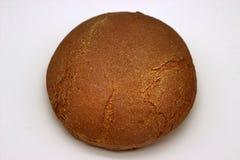 Brood van het Roggebrood Geïsoleerde Beeld op een Witte Achtergrond royalty-vrije stock afbeeldingen
