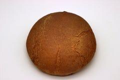 Brood van het Roggebrood Ge?soleerde Beeld op een Witte Achtergrond stock foto