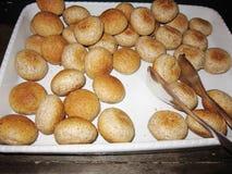 Broodbroden voor ontbijt stock foto