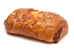 Broodje met een kaas die op wit wordt geïsoleerde. Royalty-vrije Stock Fotografie