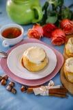 Broodje met kaneel en kremoi Royalty-vrije Stock Afbeelding