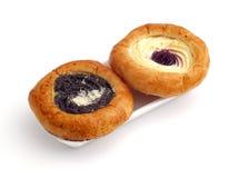 Broodjes die met papaverzaad en kwark worden gevuld royalty-vrije stock foto