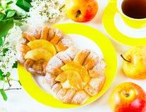 Broodjes met appelen Stock Afbeeldingen