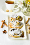 Broodjes met kaneel Royalty-vrije Stock Afbeeldingen