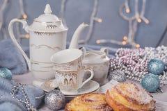 Broodjes met Kerstmis of Nieuwjaarvakantiedecoratie Stock Foto