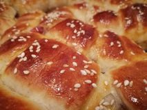 Broodjes met sesam en jam stock afbeelding