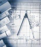 Broodjes van architectuurblauwdrukken en huisplannen Stock Afbeelding