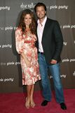 Brooke Burke, David Charvet, rose Photographie stock