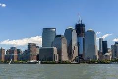 Brookfield ställe och World Trade Center av Hudson River in Arkivbilder