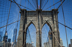 Brooklyn-Brücke, ein World Trade Center und Finanzbezirk: Sommer in Manhattan Lizenzfreies Stockfoto