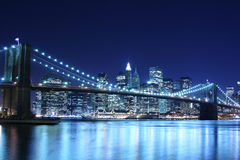 Brooklyn-Brücke nachts Lizenzfreie Stockfotografie