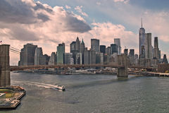 Brooklyn-Brücke und Manhattan Stockbilder