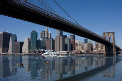 Brooklyn-Brücke und Manhattan in New York City Lizenzfreies Stockbild
