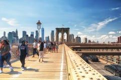 Brooklyn-Brücke und New- York Cityskylinetageszeit Lizenzfreies Stockbild