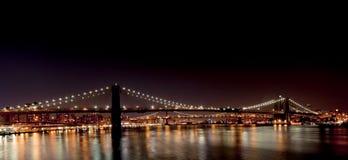 Brooklyn-Brücke vom Südstraßen-Seehafen Stockfotografie