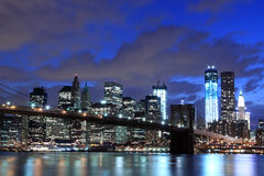 Free Brooklyn Bridge And Manhattan Skyline At Night Stock Image - 26763121