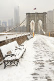 Brooklyn Bridge Bench in Snow Stock Photography
