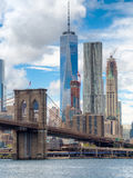 The Brooklyn Bridge and the downtown Manhattan skyline in New Yo Stock Images